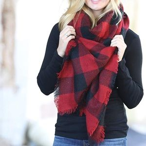 NWT Plaid Blanket Scarf